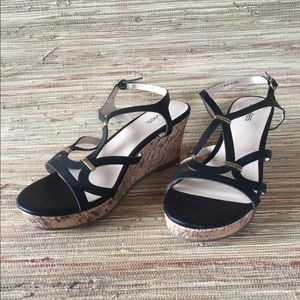 Stevie's Black and Tan wedges